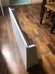 Duas mesas madeira de parede escritório escrivaninha prateleira