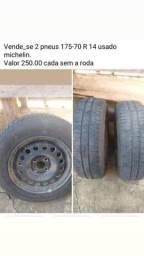 Vende_se 2 pneus