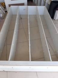 Vendo nincho com 60 gabinetes, cada gabinete medindo 35 centímetros. Está completíssimo!