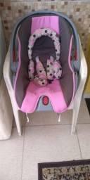 Bebê conforto rosa c cinza da marca Cosco