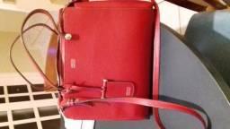 Bolsa couro e brinde: lápis boca Mac na cor ruby woo