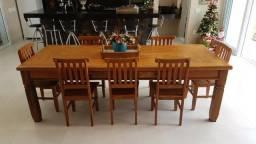 Mesa de madeira de demolição com 8 cadeiras