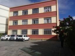 Apartamento reformado, bem localizado, dividido em quarto e sala