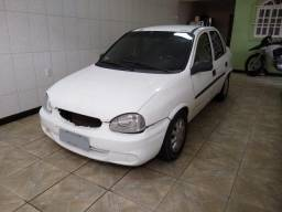Corsa Sedan Basico - 2002