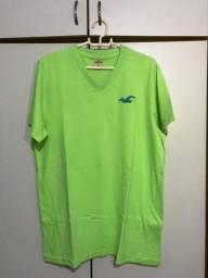 Camisa verde Hollister tamanho M (pouco usada)