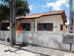 JA-Linda Casa com 3 dormitórios, sendo 1 suíte/ótimo local Ingleses-Floripa