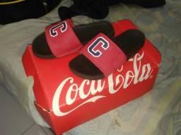Chinelo da Coca Cola