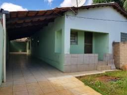 Casa 03 quartos, bairro Goiá, próximo a rua da feira