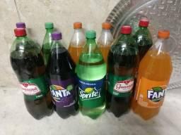 Refrigerante Fanta uva, Fanta laranja, Sprite e Guaraná. Na validade! 40 reais 10 unidades