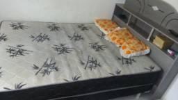 Vendo cama box de mola com cabeçeira