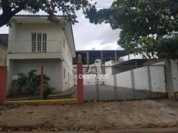 Título do anúncio: Ponto à venda, 138 m² por R$ 400.000 - Jardim Rio 400 - Presidente Prudente/SP