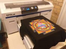 Epson SureColor F2000 > Impressão direto em tecidos claros e escuros
