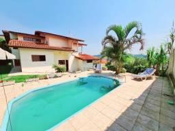 Ampla Residência com 5 Dormitórios, Piscina e Espaço Gourmet no bairro Itacorubi
