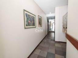 Apartamento 5 dormitórios, 1 suíte, 2 vagas de garagem, sacada ampla, lareira, churrasquei
