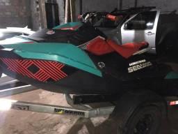 Jet ski spark trixx sea doo