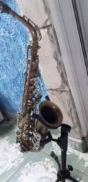 Sax alto desplacado