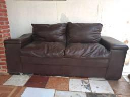 Vende-se um sofá