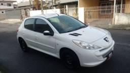 Peugeot 207 1.4 8V XR - 2012