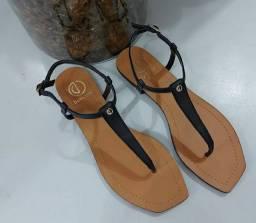 Vendo sandália dumond