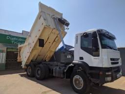 Título do anúncio: Caminhão basculante Iveco trakker 380t42n