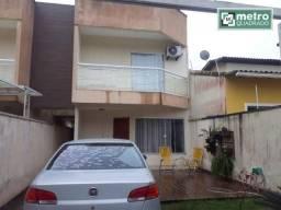 Ótima casa duplex com quintal!