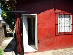 Excelente casa com poço artesiano - BAIRRO DO COQUEIRO