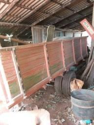 Vende-se carretao de madeira
