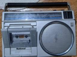 Rádio antigo National usado