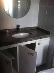 ÁreaNobre - Armários na cozinha, banheiros//Varanda// 70 metros. Lazer completo.