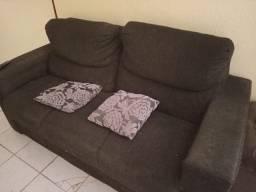 Vendo sofá em bom estado de uso.