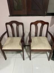 Vende-se conjunto de cadeiras de madeira