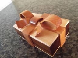 Porta joias em madeira