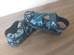 Kit 3 Sandália infantil pouco uso