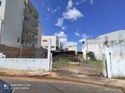 Terreno à venda no Jardim Botânico, com 250m² por R$230.000