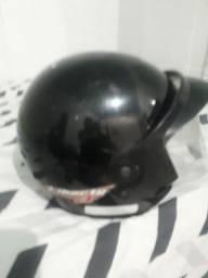 Vendo um  capacete 50 reais