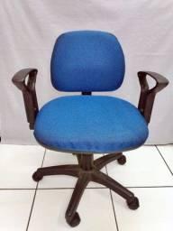 Cadeira com rodas (Escritório)