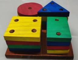 Brinquedo Educativo Pedagógico  Cores e Formas Geométricas