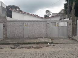 Casa Bairro Novo, 04 Quartos (Suíte), 04 Vagas, 131 m² Útil, Próxima a Avenida