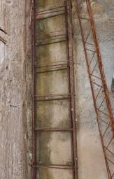 Duas colunas para construção