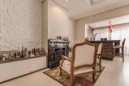 Apartamento com 337 m² privativos com 5 dormitórios e 3 vagas no Central Parque em Porto A
