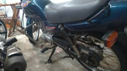 Moto Titan 125