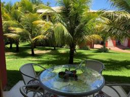Casa de condomínio para venda possui 140 m² com 3 suítes Praia do Forte!