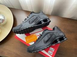 Tênis Nike Shox R4 Original Preto Tamanho 39 (serve 40) Novo Na Caixa