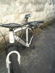 Bicicleta Foxxer quadro de alumínio aro 29 peças Shimanno e GTS