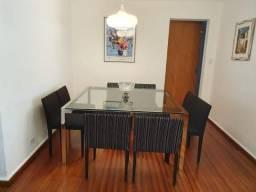 Conjunto de Mesa e 8 Cadeiras