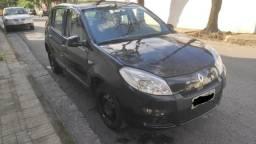 Renault Sandero novissimo - 2012