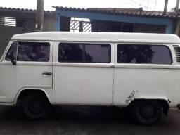 Vende se uma Pirua branca - 2001