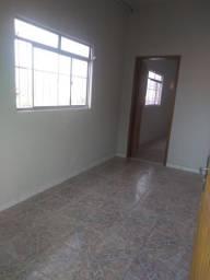 Aluga-se este lindo apartamento, sendo uma suíte grande, rua i 121 B. União