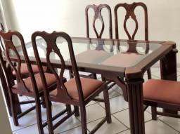 Mesa 6 cadeiras e penteadeira