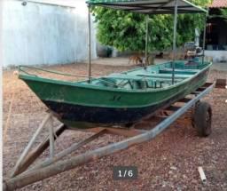 Canoa com motor e carretinha